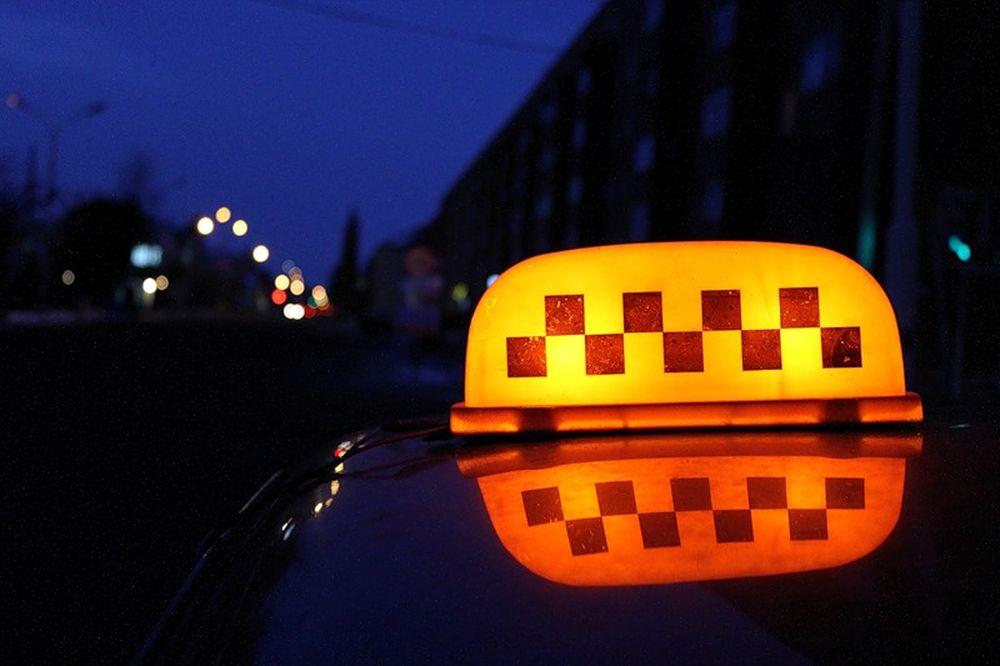 Таксист изнасиловал 21-летнюю наРопшинском шоссе