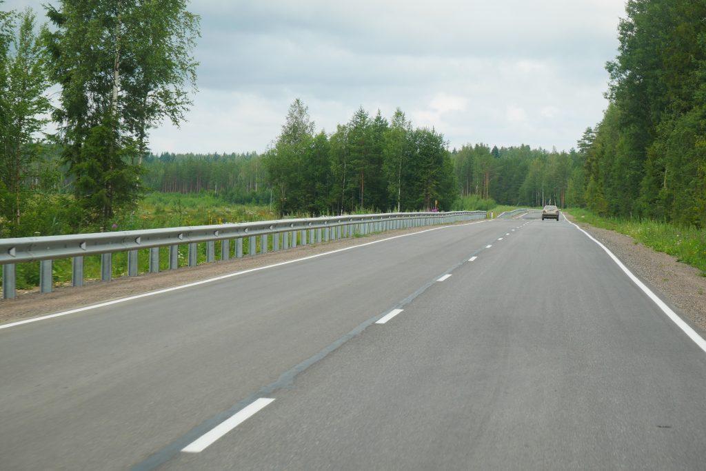 Участок региональной дороги вЛенобласти отремонтирован за80 млн руб.