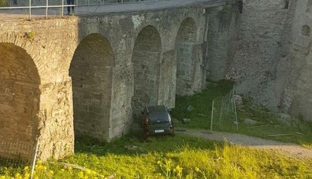 KIA протаранила Копорскую крепость